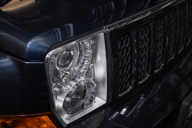 Picture of 2009 Jeep Commander Overland 4WD