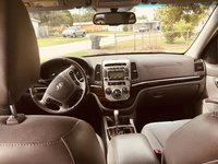 Picture of 2010 Hyundai Santa Fe SE, interior, gallery_worthy