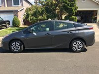 Picture of 2017 Toyota Prius Two, exterior, gallery_worthy