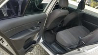 Picture of 2010 Kia Rondo LX, interior, gallery_worthy