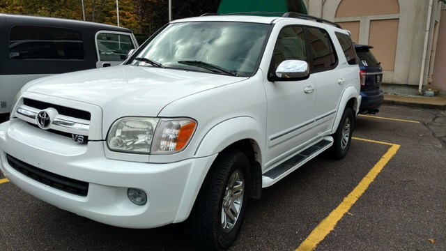 Picture of 2007 Toyota Sequoia 4 Dr Limited V8 4WD