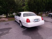 2002 Lincoln Town Car Picture Gallery