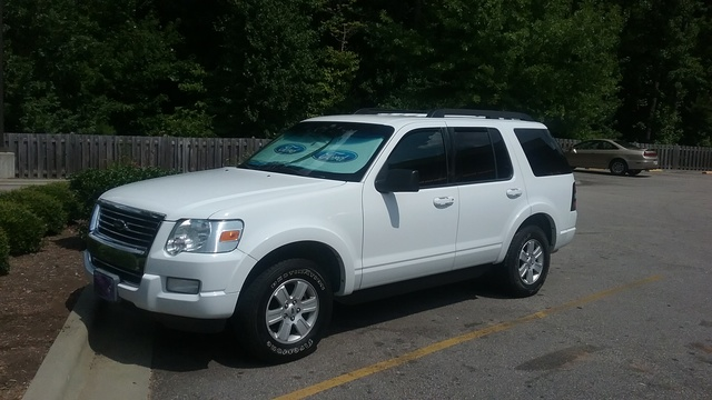 Picture of 2010 Ford Explorer XLT 4WD