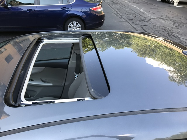 Picture of 2011 Toyota Corolla LE