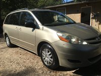 Picture of 2010 Toyota Sienna CE, exterior, gallery_worthy