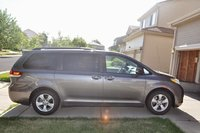 2011 Toyota Sienna Picture Gallery