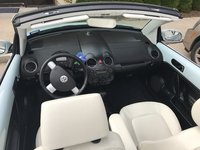 Picture of 2010 Volkswagen Beetle 2.5L Convertible, interior, gallery_worthy