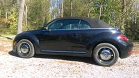 Picture of 2015 Volkswagen Beetle 1.8T Classic PZEV Convertible, exterior, gallery_worthy