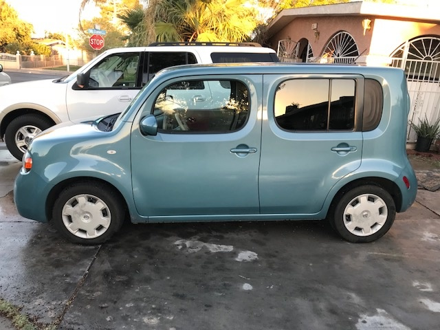 Picture of 2011 Nissan Cube 1.8 S