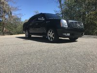 Picture of 2010 Cadillac Escalade EXT Luxury 4WD, exterior, gallery_worthy