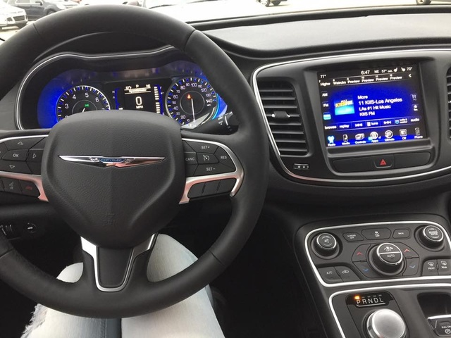 Picture Of 2017 Chrysler 200 Limited Platinum Interior Gallery Worthy