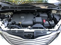 Picture of 2017 Toyota Sienna XLE 8-Passenger, engine, gallery_worthy