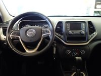 Picture of 2015 Jeep Cherokee Sport, interior, gallery_worthy