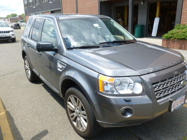 Picture of 2010 Land Rover LR2 HSE