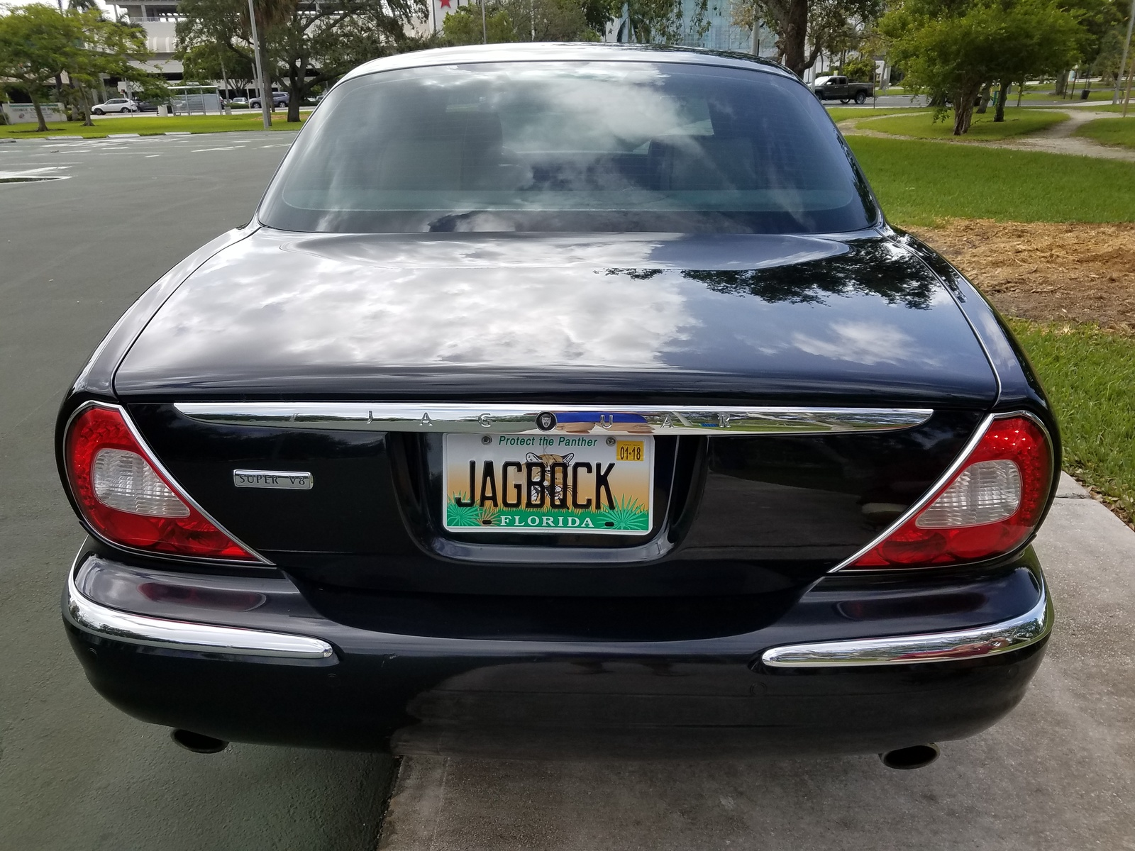 car and specs jaguar for used reviews price photos driver sale xjr