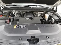 Picture of 2017 Chevrolet Suburban LT 1500 4WD, engine, gallery_worthy