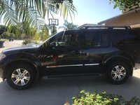 Picture of 2011 Nissan Pathfinder Silver Edition, exterior, gallery_worthy