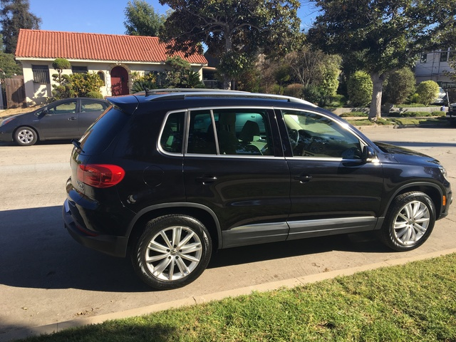 Picture of 2013 Volkswagen Tiguan SEL 4Motion
