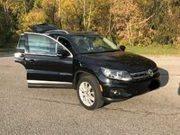 Picture of 2012 Volkswagen Tiguan SE 4Motion w/ Sunroof and Navigation, exterior, gallery_worthy