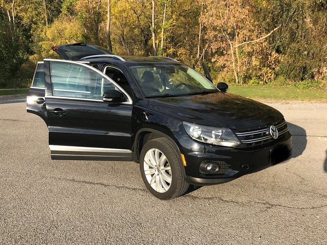 Picture of 2012 Volkswagen Tiguan SE 4Motion w/ Sunroof and Navigation