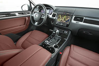 Picture of 2013 Volkswagen Touareg VR6 Executive, interior, gallery_worthy