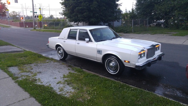 Picture of 1984 Chrysler Fifth Avenue Base