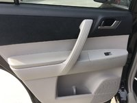 Picture of 2013 Toyota Highlander SE V6, interior, gallery_worthy