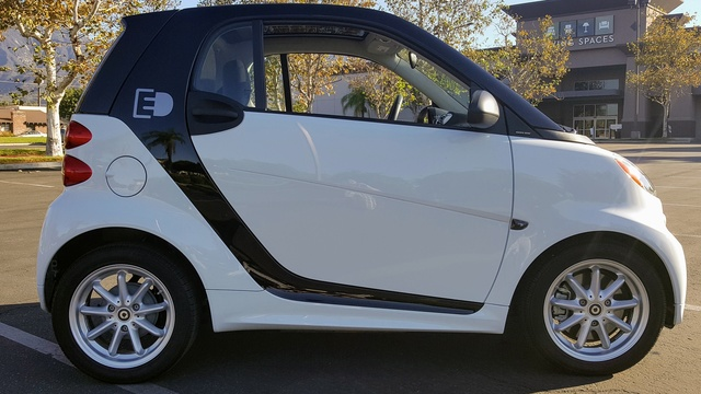 Picture of 2015 smart fortwo electric drive hatchback RWD