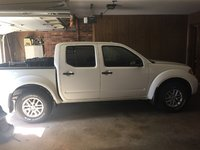 Picture of 2014 Nissan Frontier SV Crew Cab 4WD, exterior, gallery_worthy