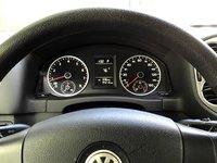 Picture of 2010 Volkswagen Tiguan SE, interior, gallery_worthy