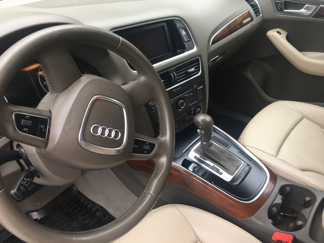 Lovely Picture Of 2010 Audi Q5 3.2 Quattro Prestige AWD, Interior, Gallery_worthy