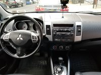 Picture of 2009 Mitsubishi Outlander ES 4WD, interior, gallery_worthy