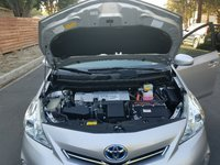 Picture of 2014 Toyota Prius v Two, engine, gallery_worthy