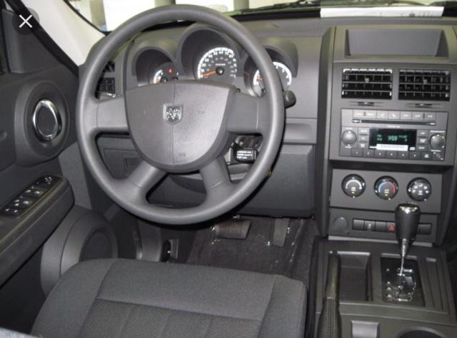 2011 dodge nitro interior pictures cargurus. Black Bedroom Furniture Sets. Home Design Ideas