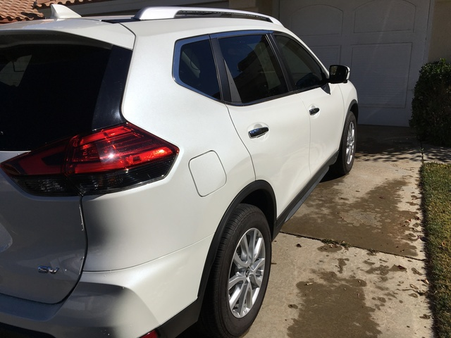 Picture of 2017 Nissan Rogue SV FWD