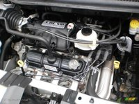Picture of 2005 Chrysler Town & Country Limited, engine, gallery_worthy