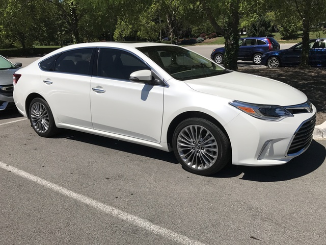 Picture of 2017 Toyota Avalon Limited, gallery_worthy