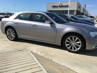Picture of 2017 Chrysler 300 Limited, gallery_worthy