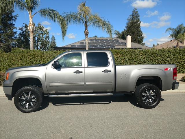 Picture of 2013 GMC Sierra 2500HD SLE Crew Cab LB 4WD