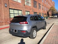 Picture of 2017 Jeep Cherokee Latitude, gallery_worthy