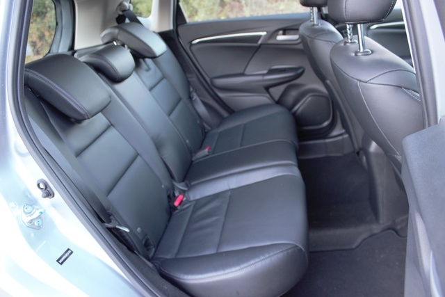 Rear seats of the 2018 Honda Fit, interior, gallery_worthy
