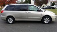 Picture of 2009 Toyota Sienna LE, gallery_worthy