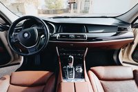 Picture of 2011 BMW 5 Series Gran Turismo 550i xDrive AWD, interior, gallery_worthy