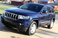 Picture of 2013 Jeep Grand Cherokee Laredo 4WD, gallery_worthy