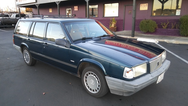 Picture of 1992 Volvo 740 Wagon
