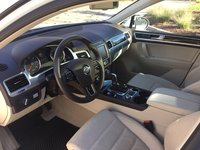 Picture of 2016 Volkswagen Touareg TDI Lux, interior, gallery_worthy