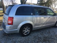 Picture of 2009 Chrysler Town & Country Limited, gallery_worthy