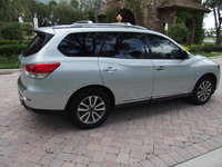 Picture of 2015 Nissan Pathfinder SL, gallery_worthy