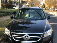 Picture of 2011 Volkswagen Tiguan SE, gallery_worthy