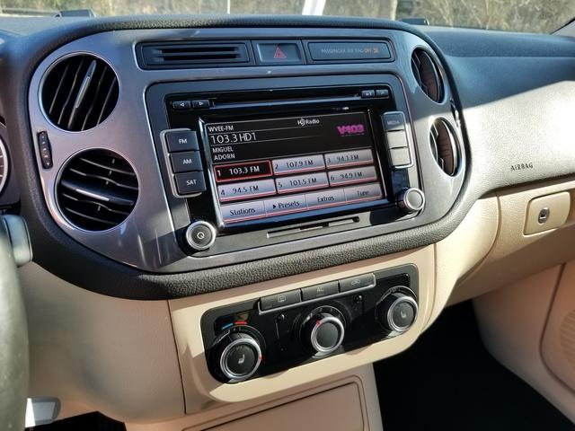 Picture of 2012 Volkswagen Tiguan SEL, gallery_worthy
